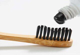Kömürlü Dış Fırçası Ne İşe Yarar? Kömürlü Diş Fırçalarının Faydaları Nelerdir?